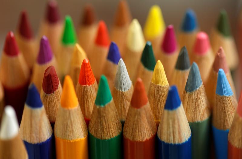 Creioane colorate profesionale. Ghidul incepatorului.